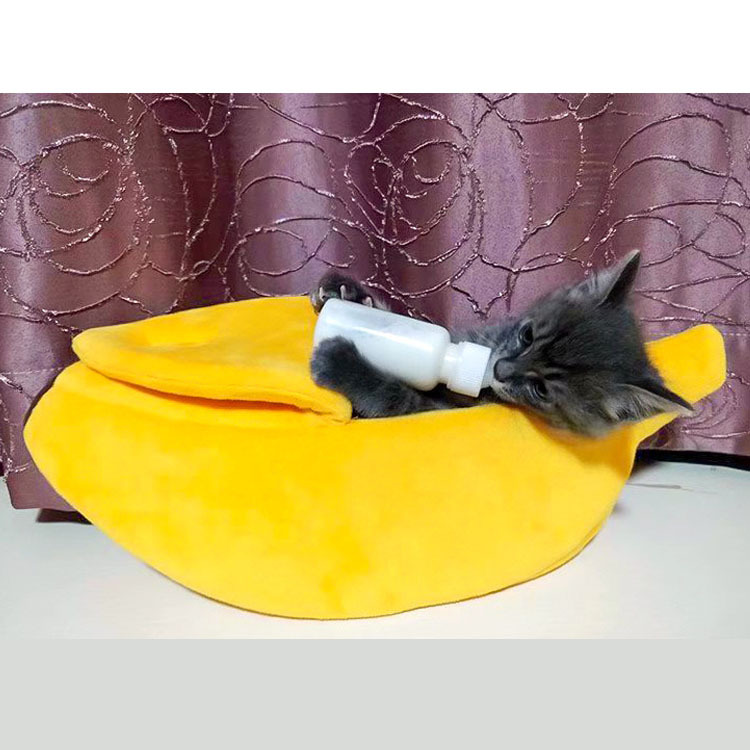 Cute and Comfy Banana Sleeping Bag for Dogs and Cats