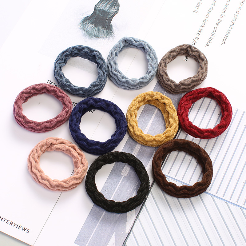 Multicolored/Black Wave-Patterned Hair Tie for Everyday Summer Hairstyles