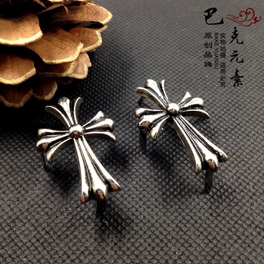 Vintage Style Knurled Cross Brooch for Punk Denim Jacket Accessories