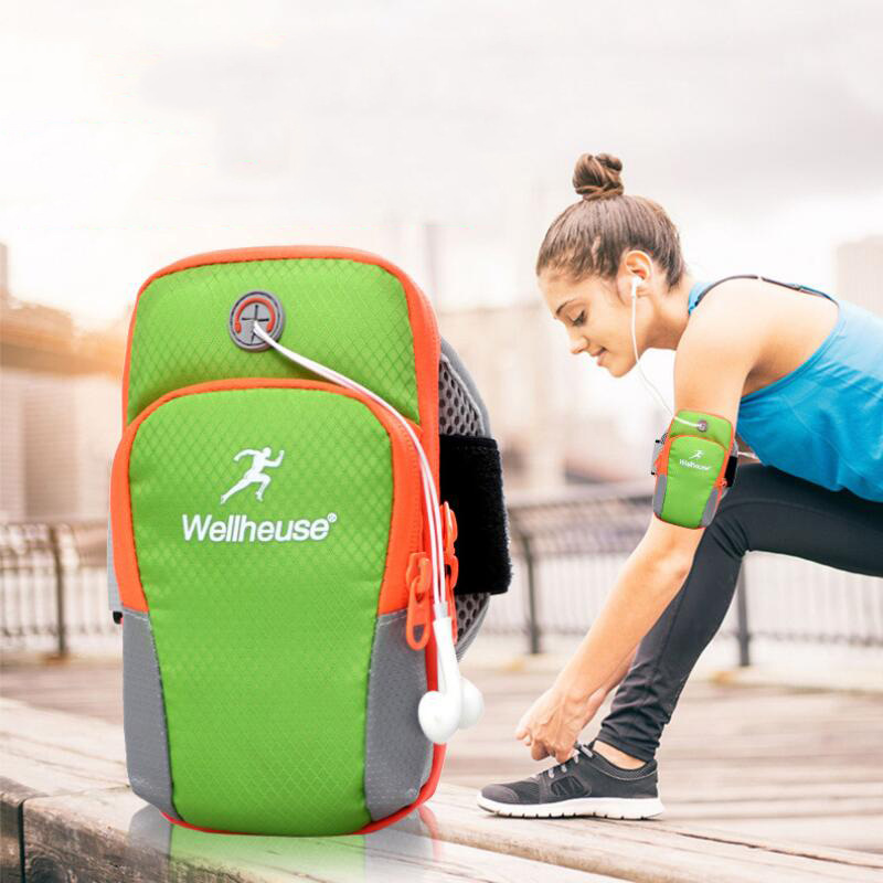 Multifunctional Arm Band Pouch for Early Morning Jogs