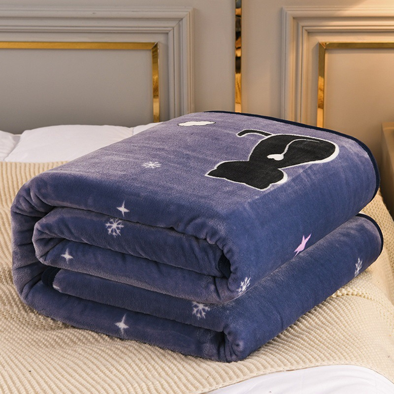Soft Polyester Blankets for Cool Bedrooms