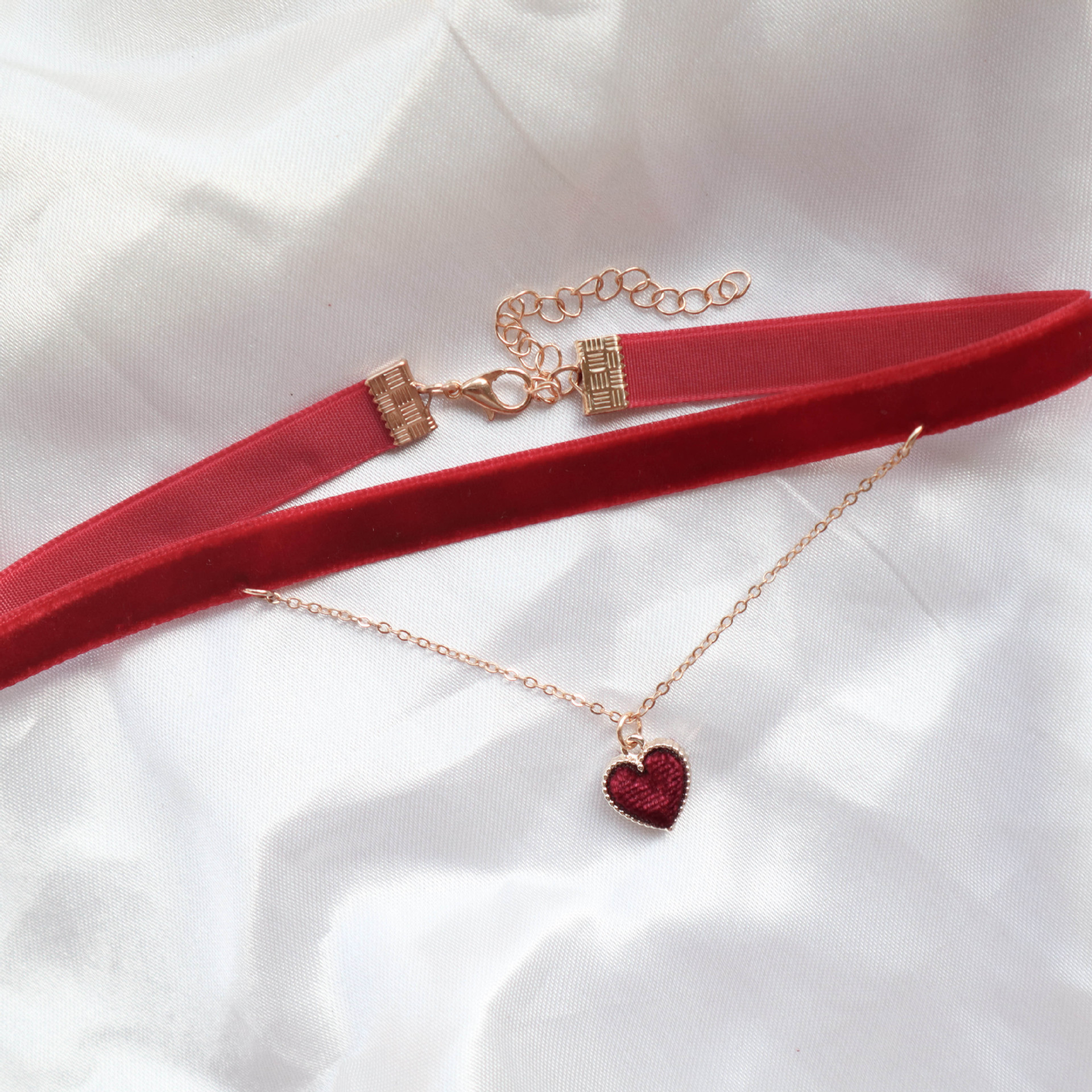 Pretty Heart Pendant Necklace for Valentine's Day Gift