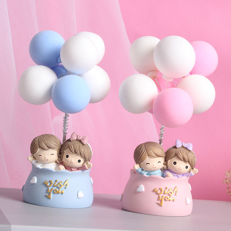 Hot Air Balloon Couple Paper Weight for Office Workers