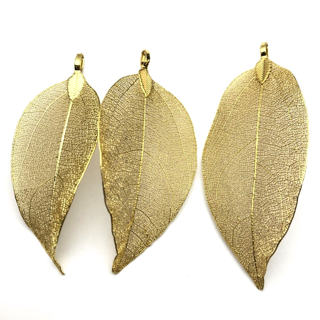 High-End Gold-Colored Alloy Leaf Pendant Necklace for Extravagant Gifts