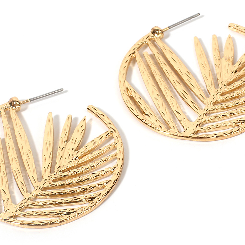 Noria Rounded Leaf Earrings