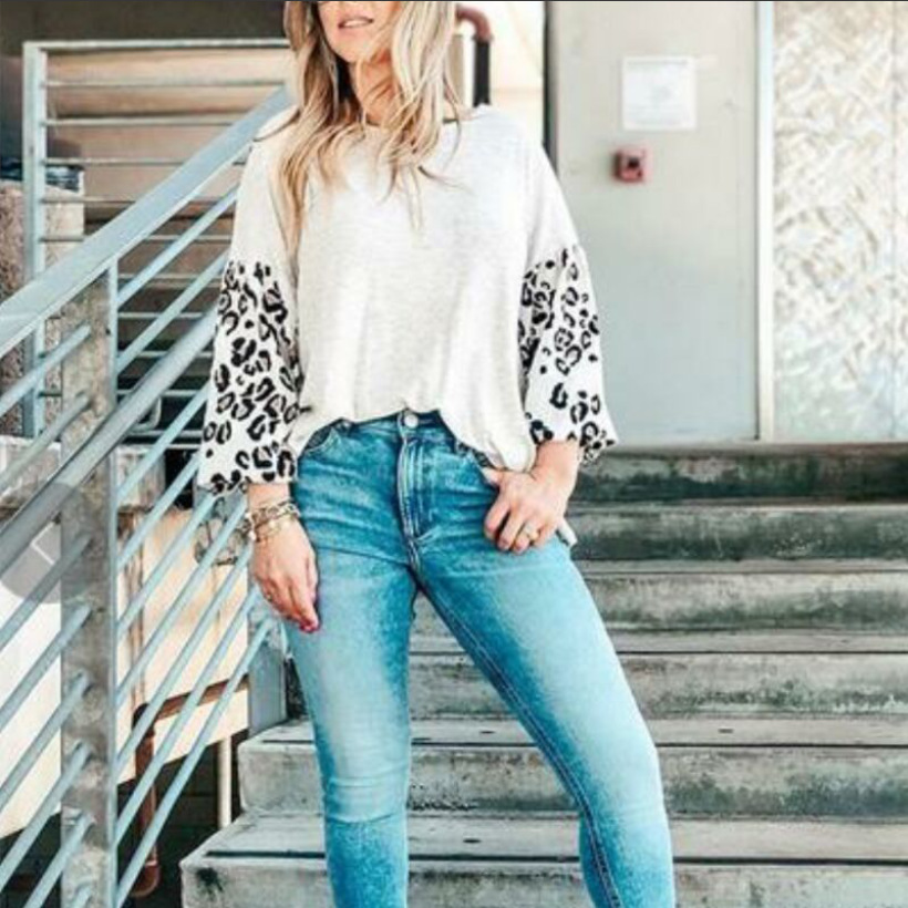Stylish Leopard-Print Bat Sleeves Top for Quick Lunch Date with Friends