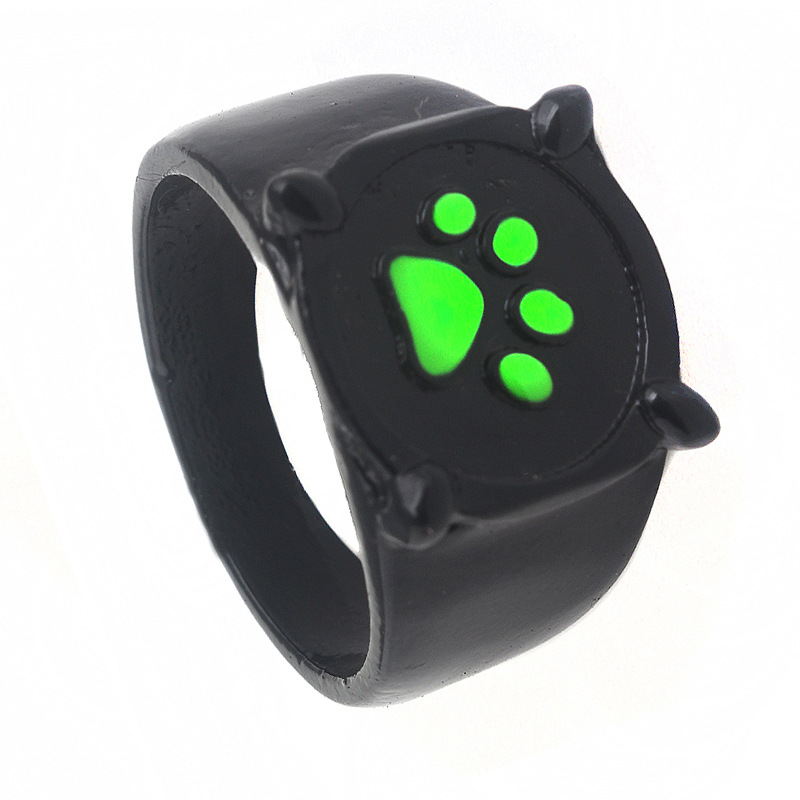 Eye-Catching Paw Print Ring for Dog Lovers