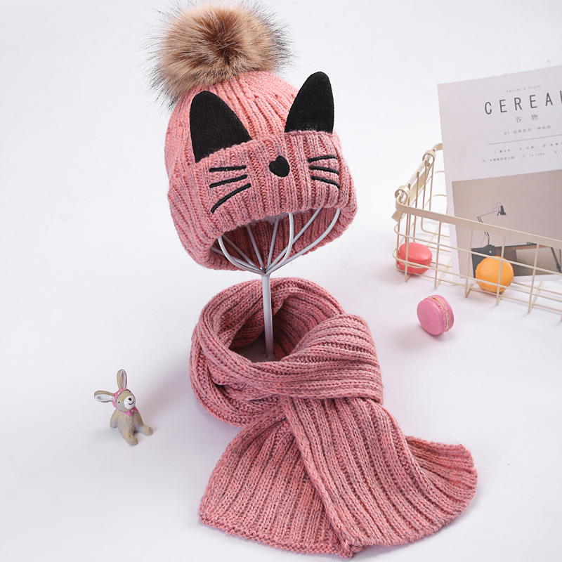 Teeny Cat-Designed Beanie Cap with Neck Scarf for Fashionable Teens