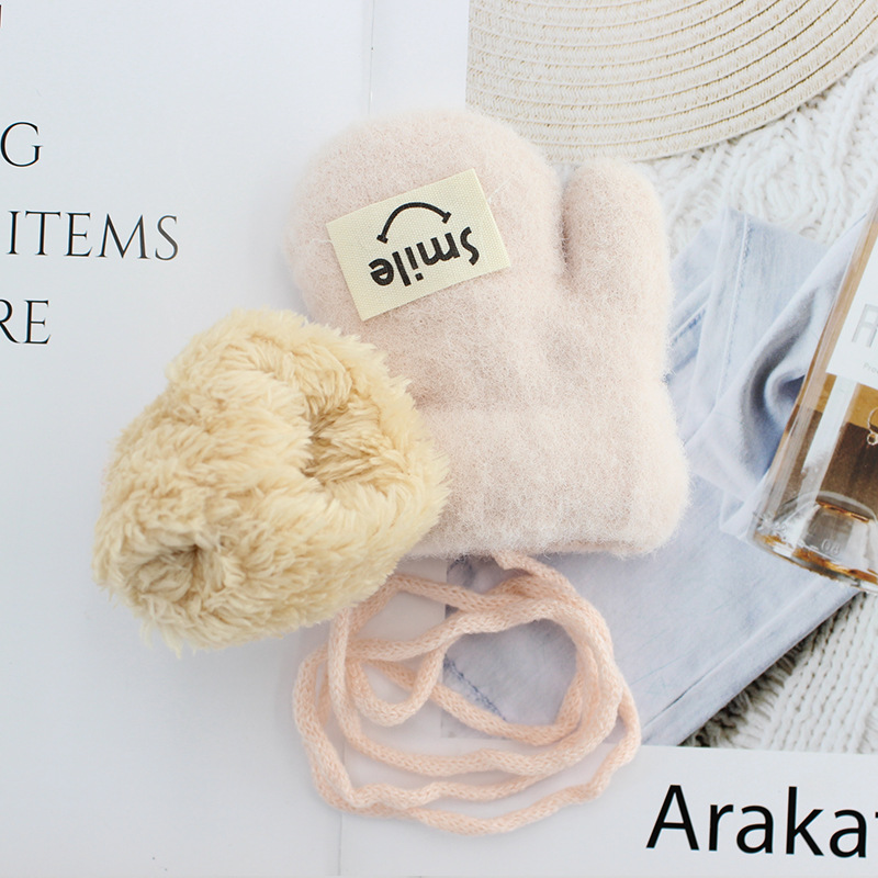 """Fluffy Acrylic """"Smile"""" Gloves for Comfy and Cozy Feeling"""