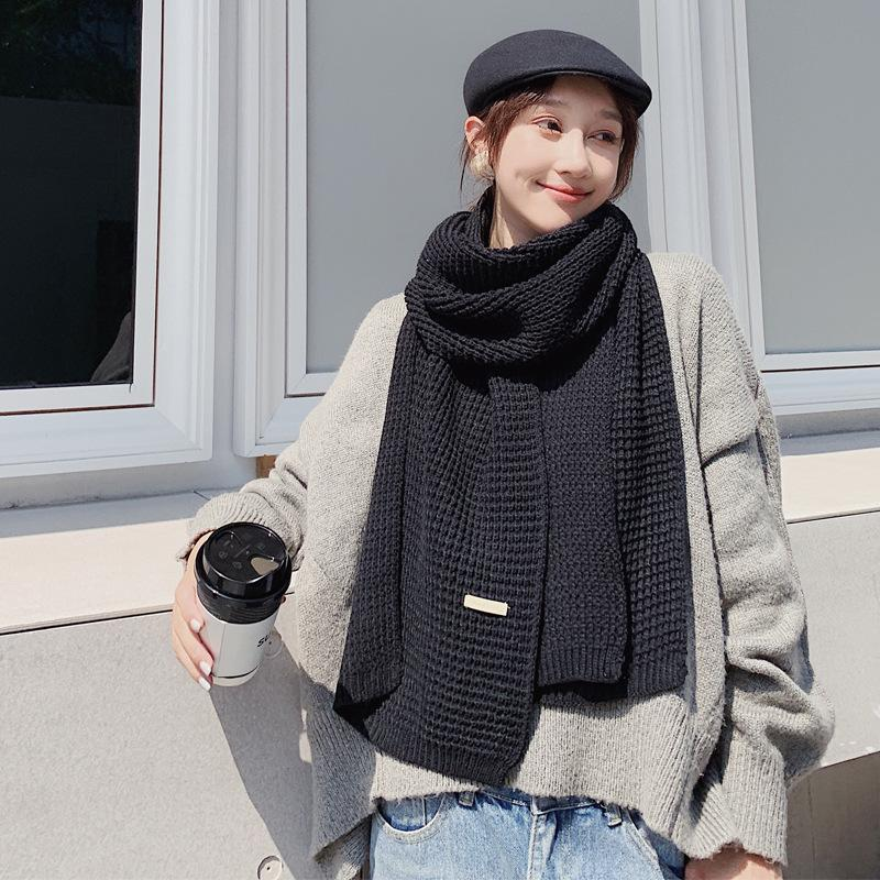 Oversized Monochrome Knitted Scarf for Stylish Winter Wear