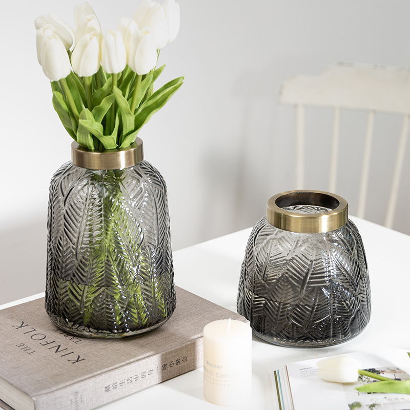 Lightweight Textured Glass Vase for Dining Table