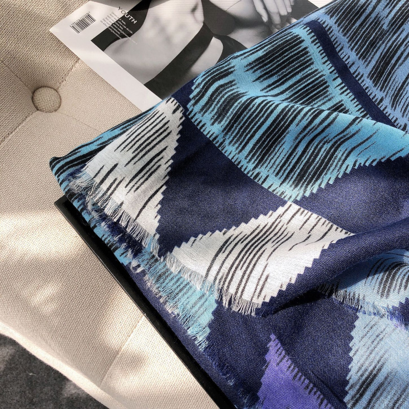 Creative Blue Cotton Scarf for Summer Outing Looks