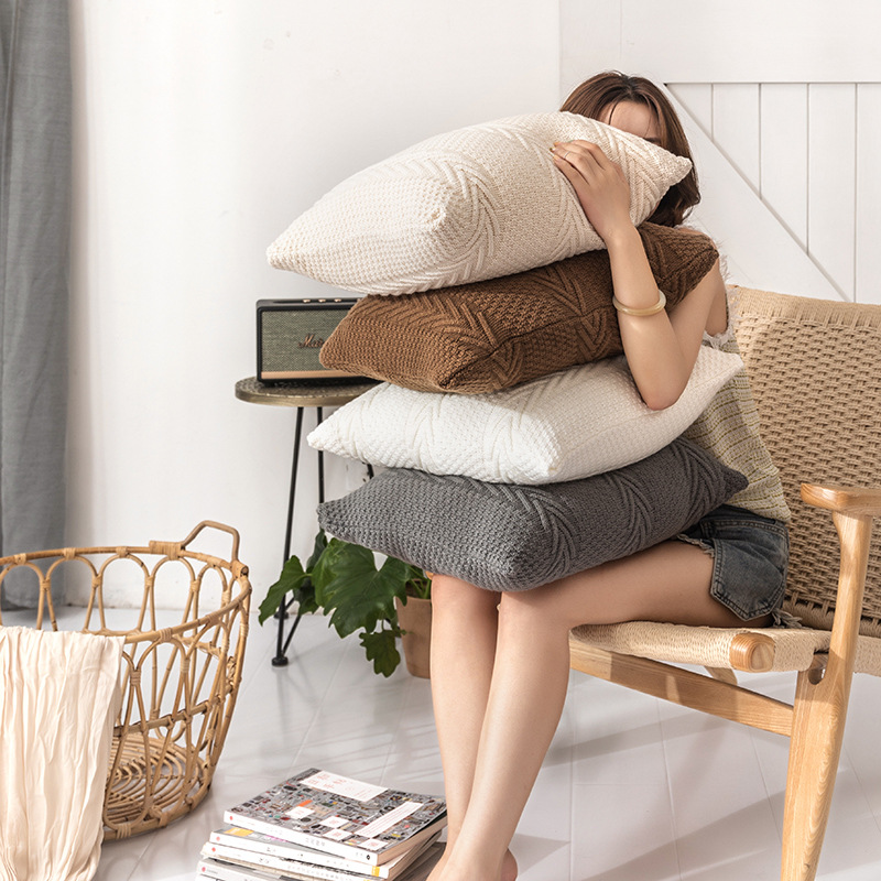 Classic Knitted Throw Pillow Case for Timeless Living Room
