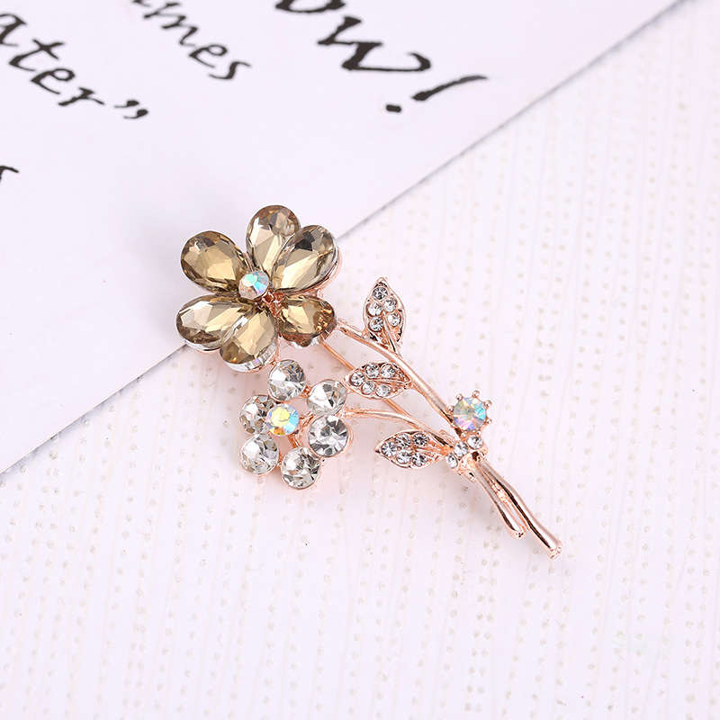 Simple Flower Crystal Brooch for Women