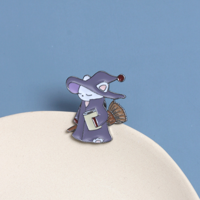 Purple Heather Cartoon Wizard Cat Brooch for Charming Accessories