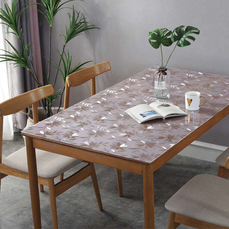 Disposable Waterproof Pattered Table Cloth for Dining Rooms