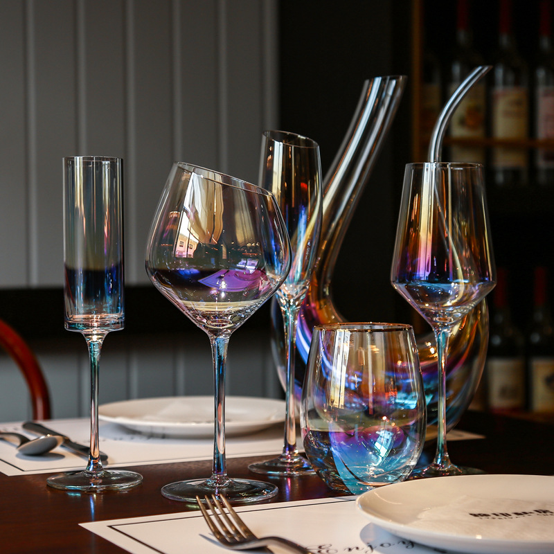 Luxurious Iridescent Wine Glass for Casual Drinking