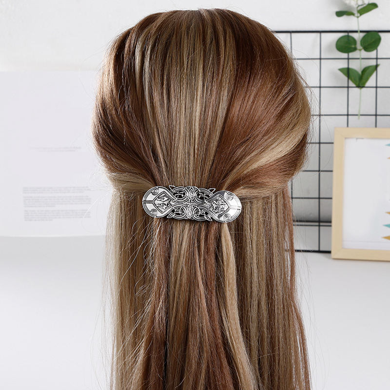 Luxurious Alloy Hair Clip for Pairing with Elegant Girlish Outfits