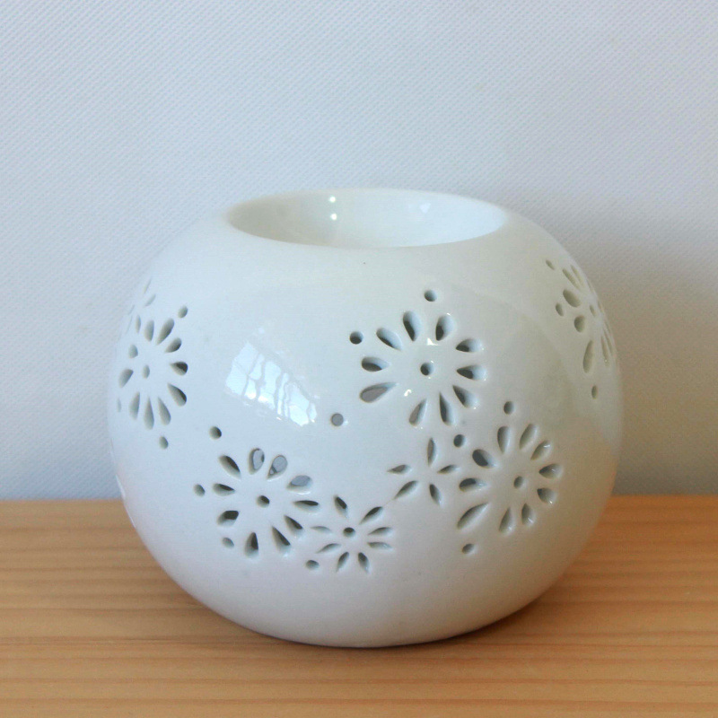 Dainty Floral Ceramic Oil Diffuser for Simple Homes