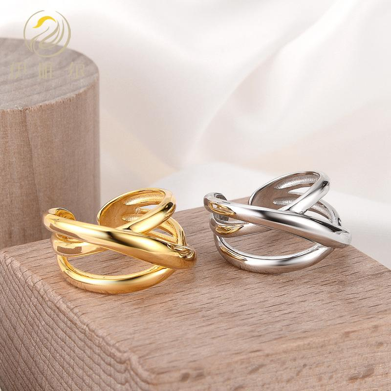 Winding Lines Multilayered Ring