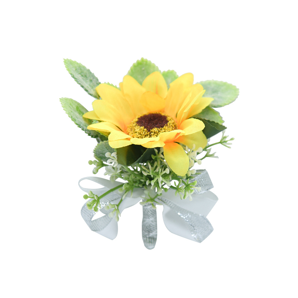 Captivating Sunflower Brooch for Wedding Bridesmaids and Groomsmen