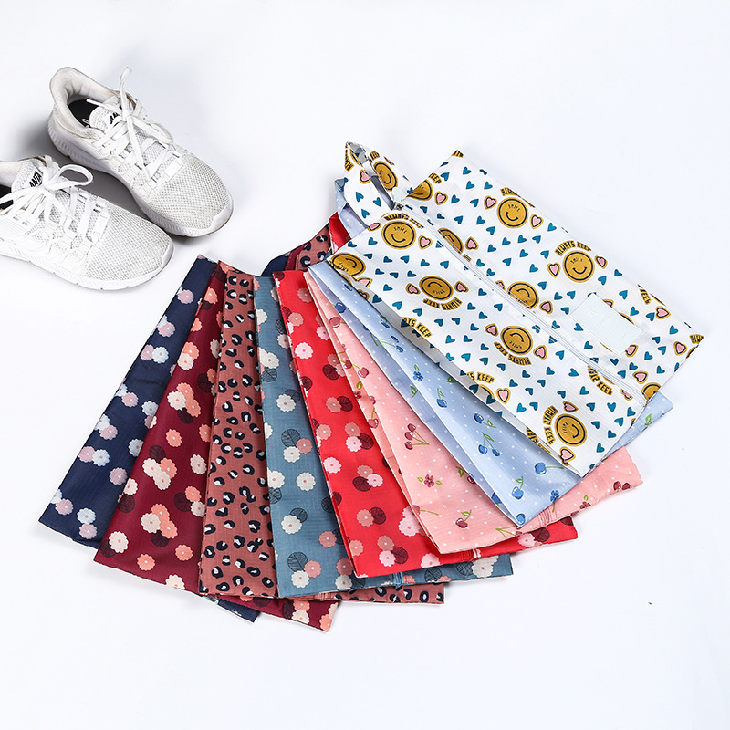 Pretty and Durable Storage Bag for Organizing Suitcases