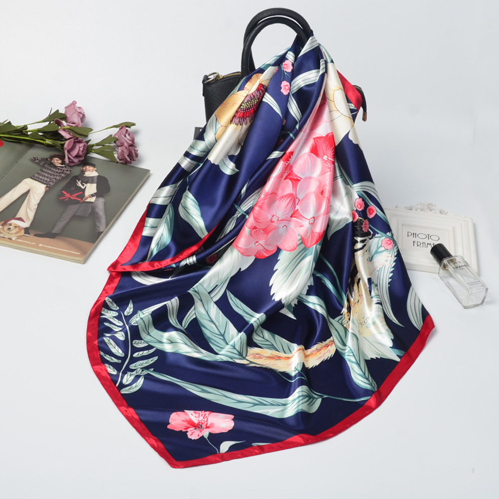 Breathable Silk Scarf for Ladies' Wear