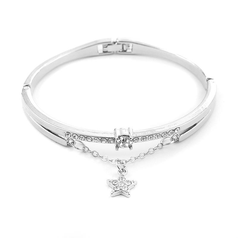 Chained Crystal Star Bracelet