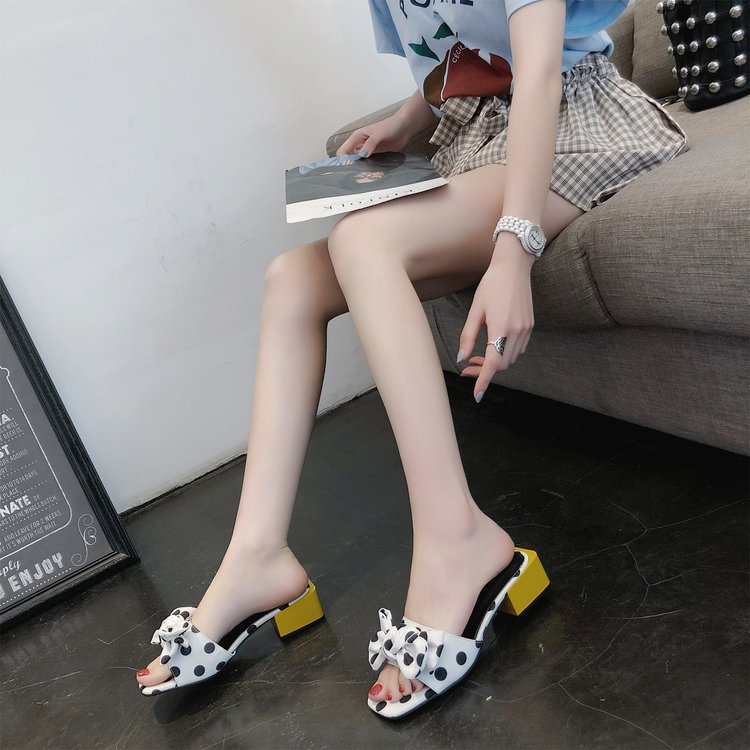 Stunning Polka Dots Bowknot Slippers for Summer Chic Clothing