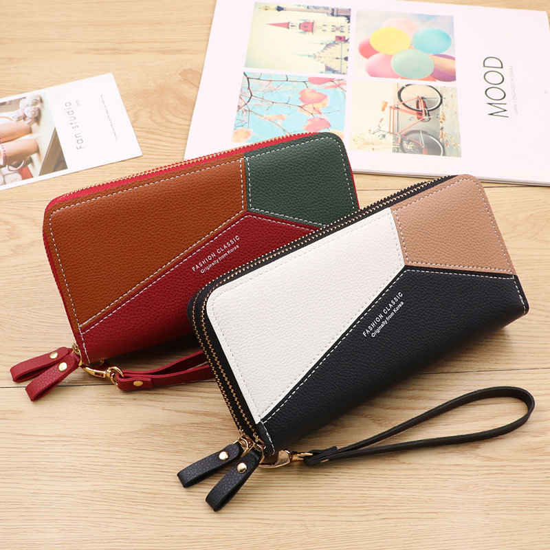 Roomy and Chic Wallet for Sorting Cards and Mobile Phone