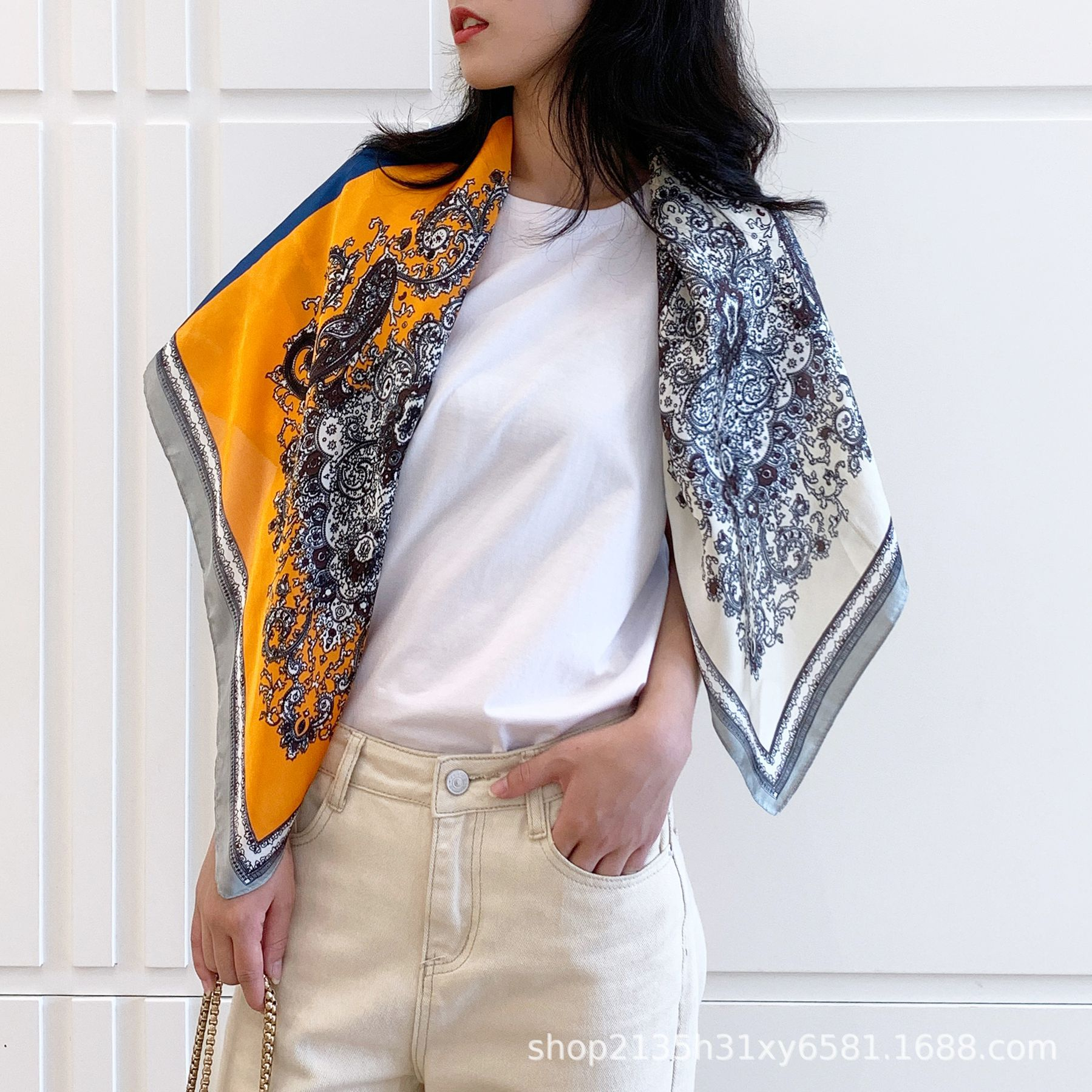Artificial Silk Paisley Pattern Square Scarf for Vintage Fashion Style