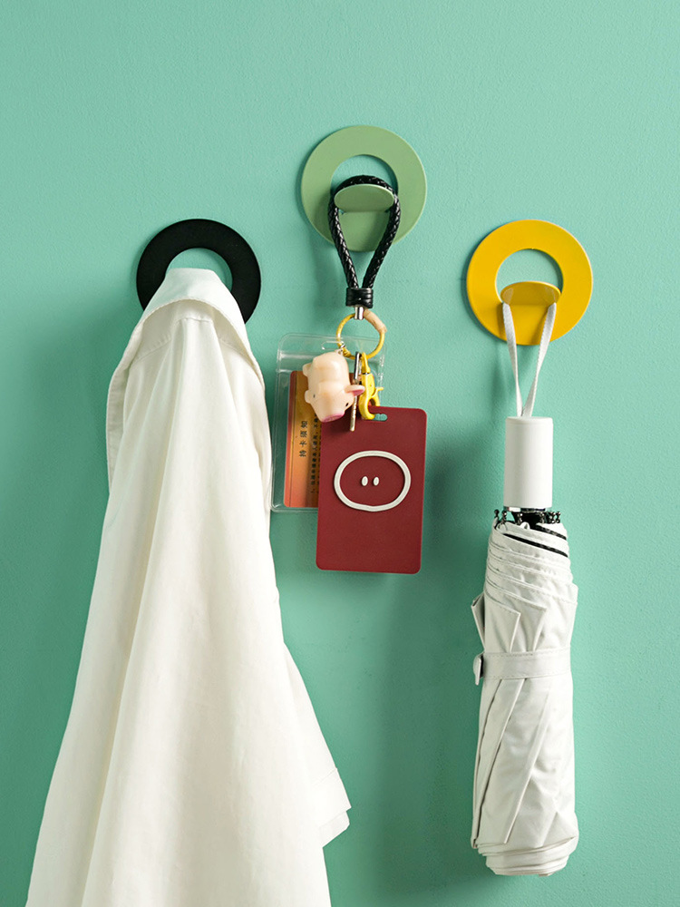 Fashionable Rounded Hook for Hanging Clothes and Towel