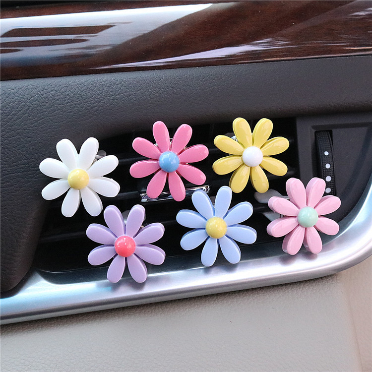 Essential Oil Car Vent Diffuser Flower Clip for Car Owners Must-Haves