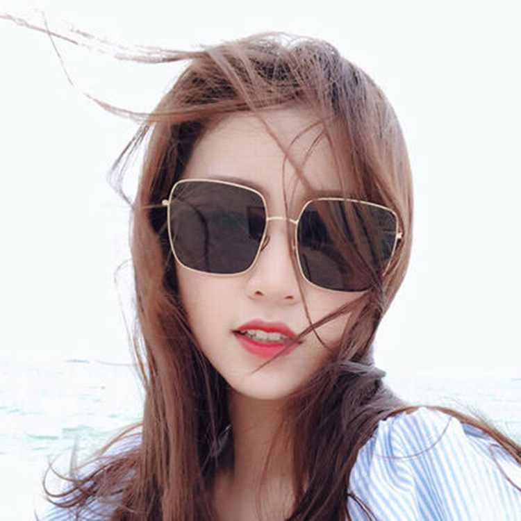 Trendy Polarized Sun Glasses for Vacation Trips