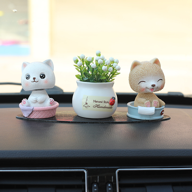 Smiling Animals in Basin Resin Ornament for Decorating Your Cars