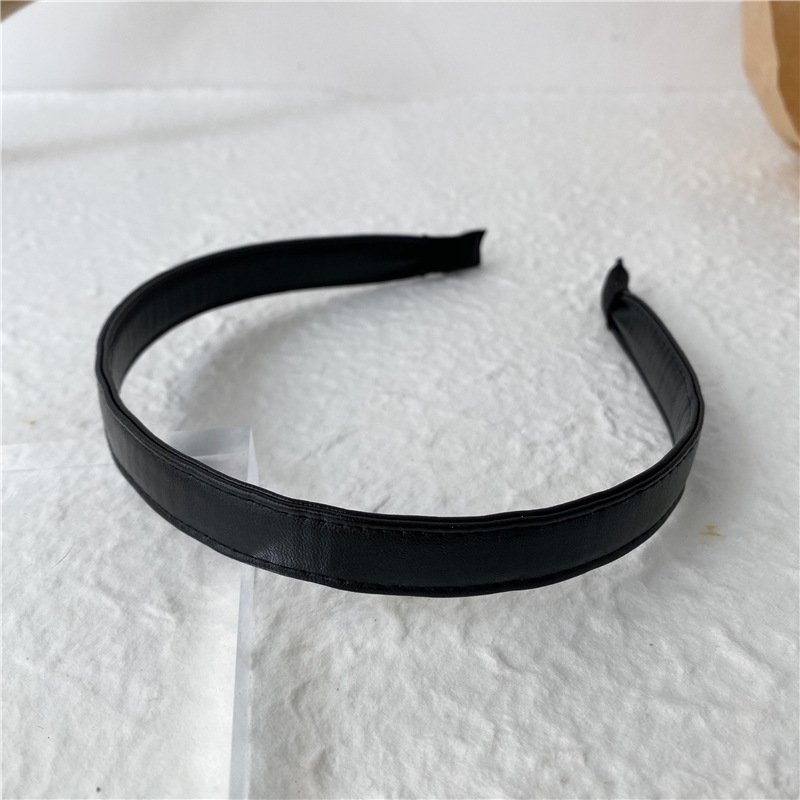 Beauteous Faux Leather Headband for Chic Looks
