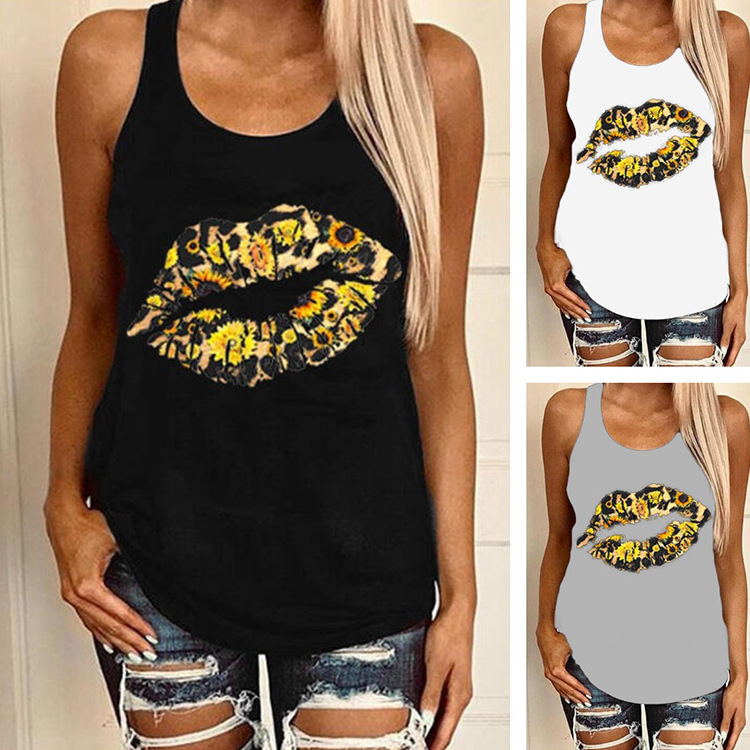 Adorable Kiss Mark Print Tank Top for Casual Feminine Outfits