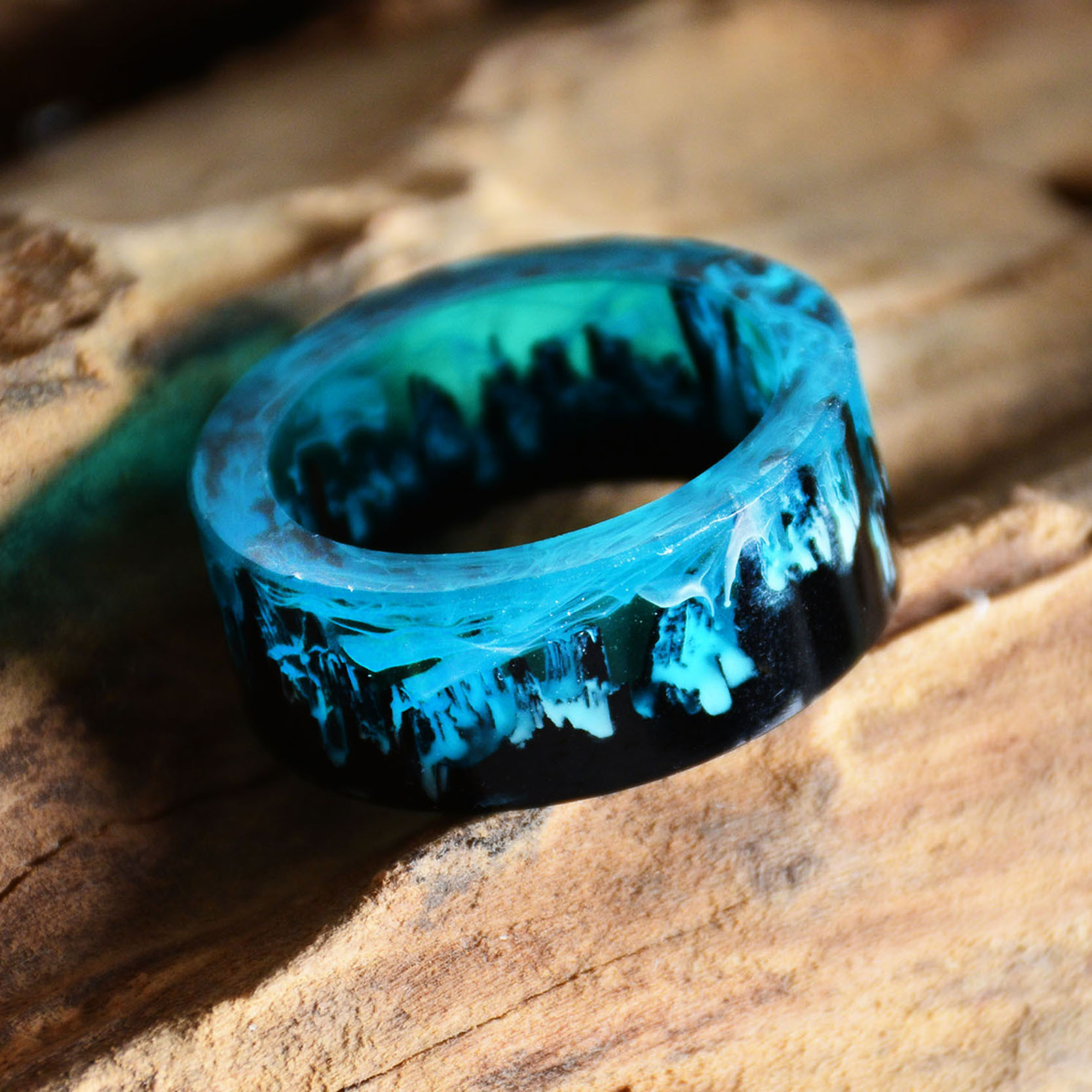 Luminescent Ring for Night Party