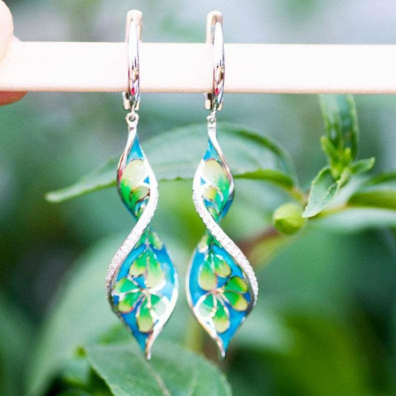 Floral Twisted Dangle Earrings