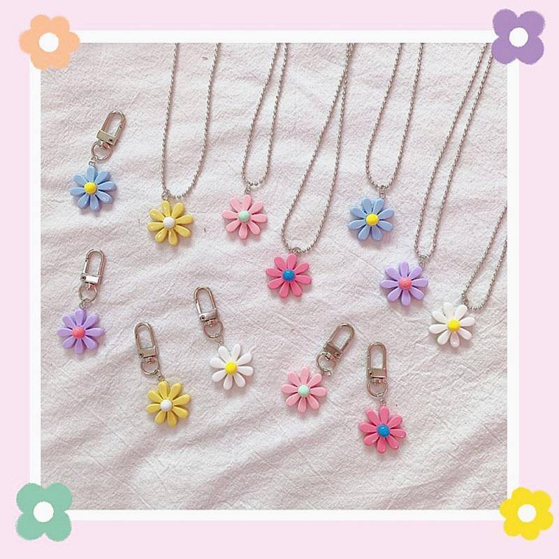 Colorful Daisy Necklace