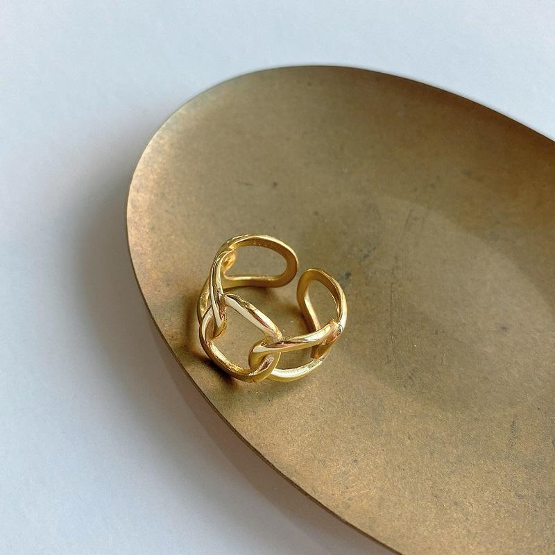 Golden Chains Hollow Ring