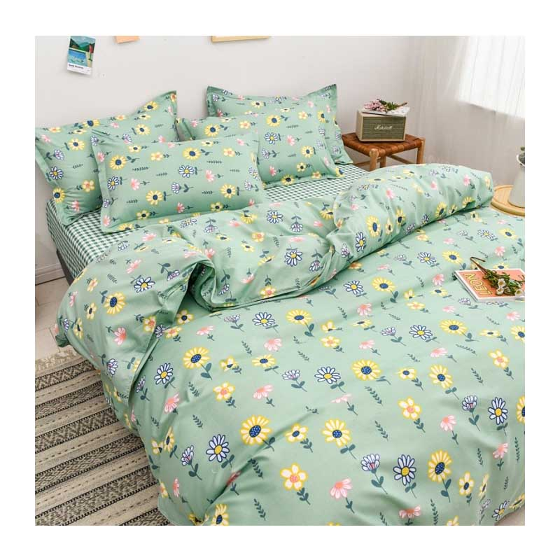Floral and Plaid Bedding Set