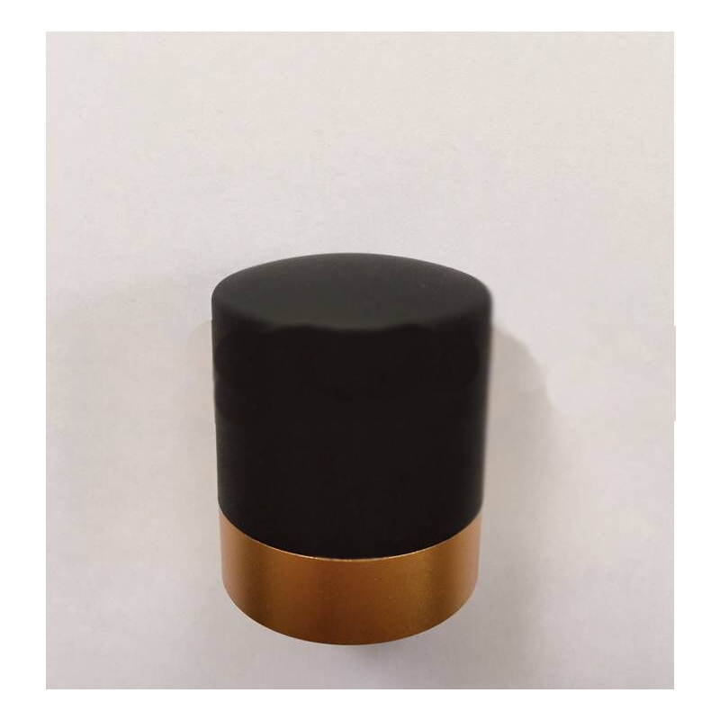 Yellow Gold Accent Wine Preservation Stopper