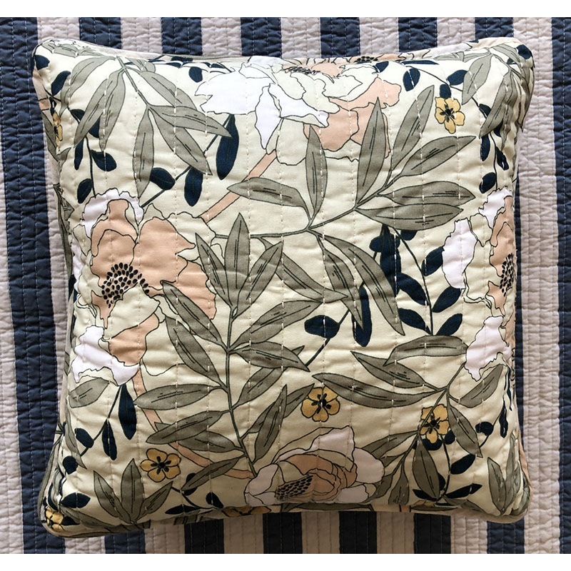 Elvia Retro Floral Pillow and Pillowcase for Vintage House Motif