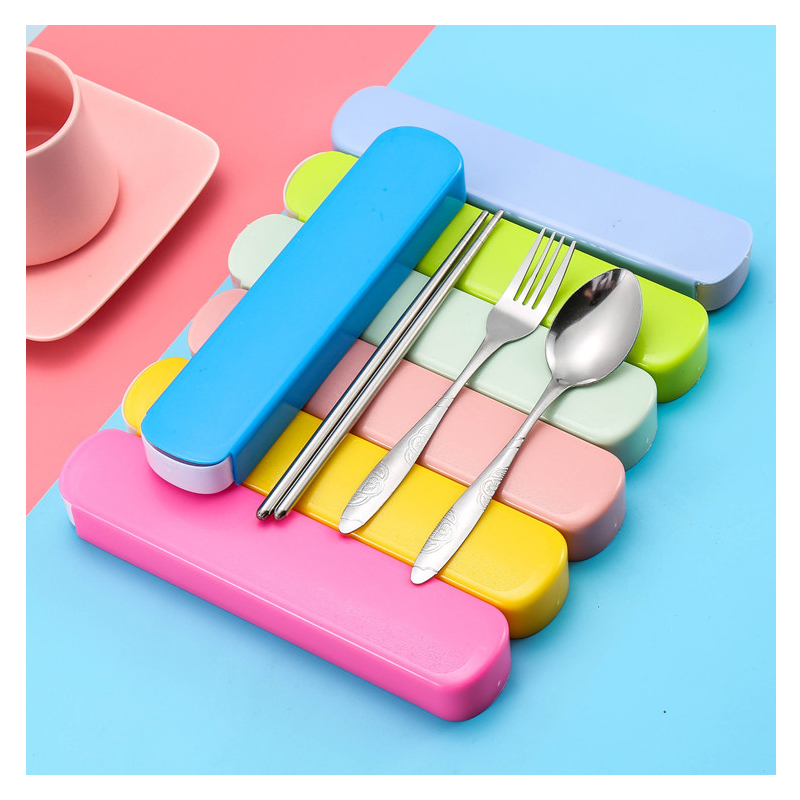 Portable Basic Tableware for Eating Out