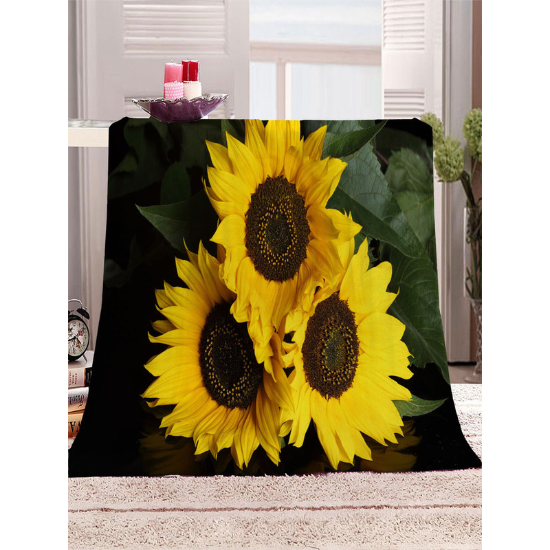 Floral Polyester Blankets for Bright and Summery Rooms