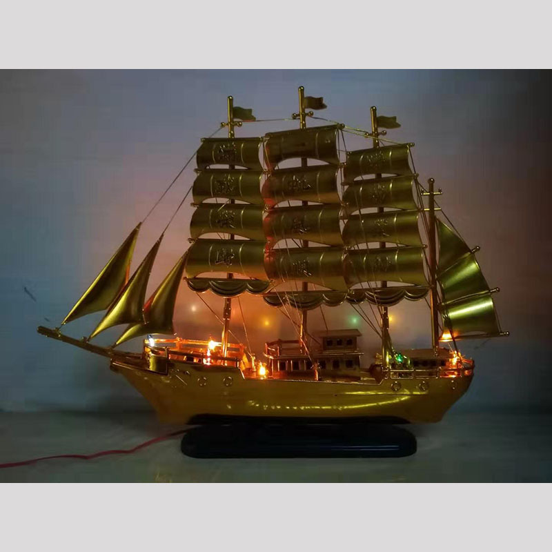 Golden Boat Decor for Birthday Gifts