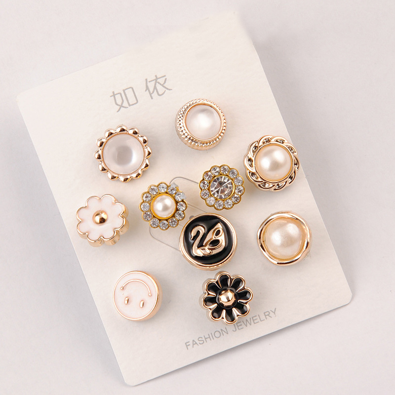 Luxuriant Baroque Pins for Multiple Posh Occasions