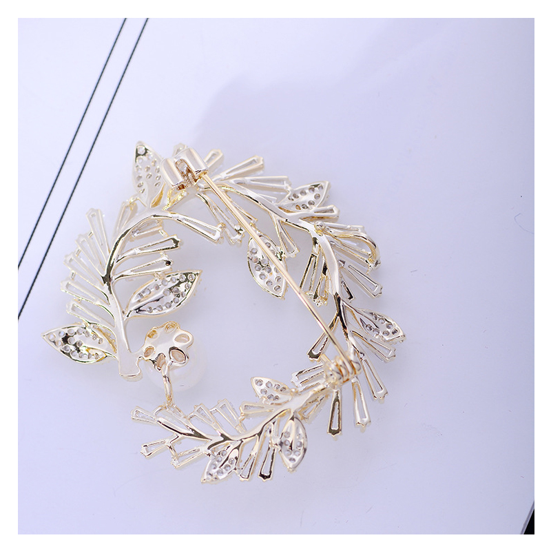 Embellished Copper Tree Wreath Brooch for Candlelit Dinners