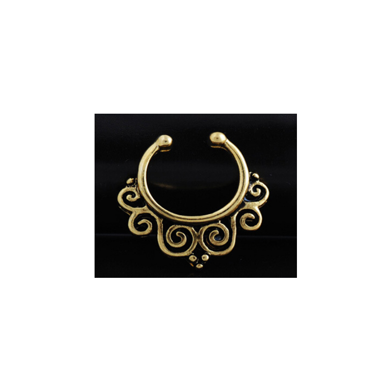 Beautifully Designed Horseshoe Nose Piercing for Victorian